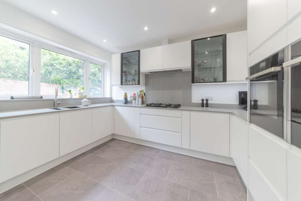 Stunning Matt White Kitchen   Just Completed   Ktchns® Ltd
